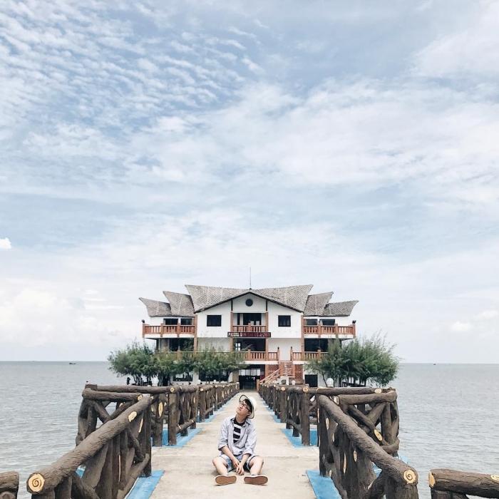 Lên lịch vi vu check-in cầu Nam Hải tại Phương Nam Pearl Resort